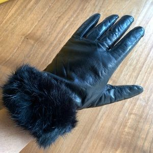 Vintage Black leather gloves leather fur cuff s